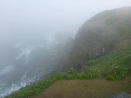 襟裳岬の断崖絶壁