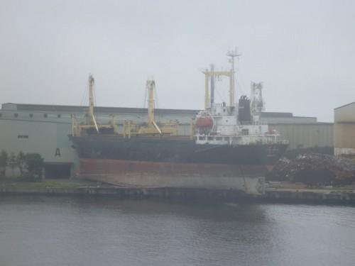 座礁したままのタンカー